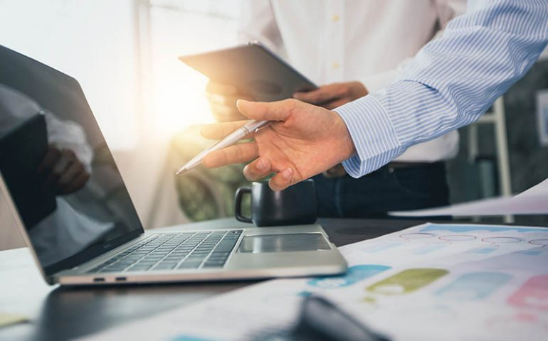 fleet-management-software-eliminates-paperwork